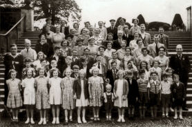 Chapel trip in 1953 to Trentham Gardens