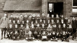 Another image of Stainsby school pupils c.1914-18.  Acknowledgment to Mrs Kirsten Burrell .
