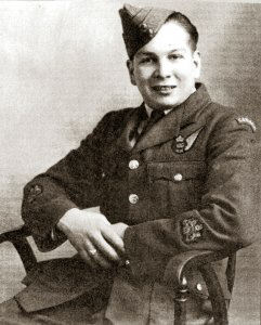 A photograph of Wally Loucks taken during WW2. The actual date of same has not ben established